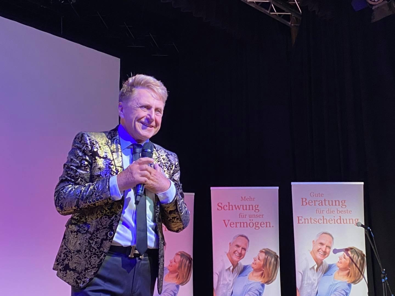 Sänger und Entertainer Hans-Jürgen Beyer überraschte mit einem Live-Auftritt.