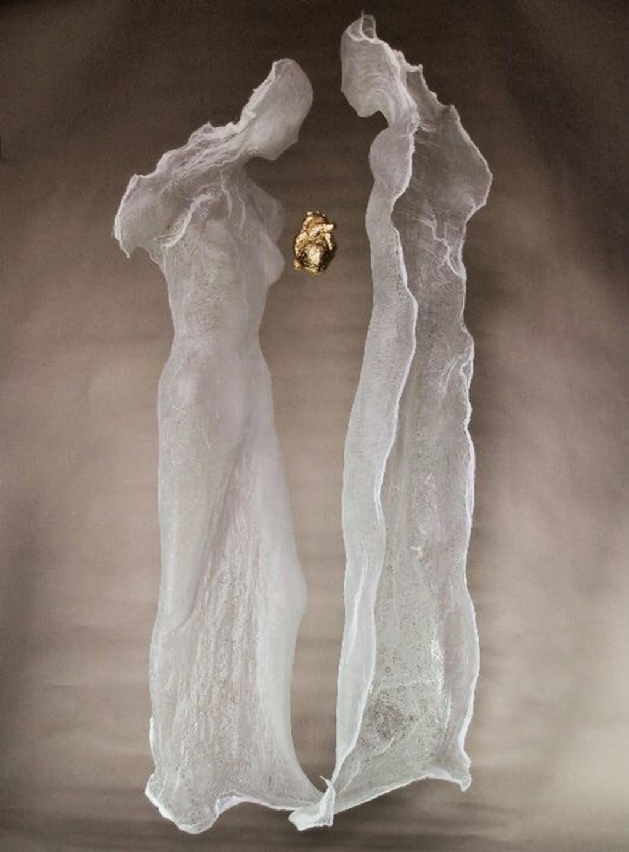 "Joanna Grzybek, ""Hingebung - Das Paar"", Installation, 2015, 190 x 100 cm"